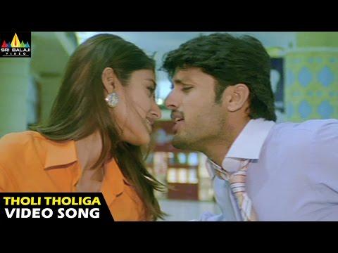 Rechhipo Songs   Tholi Tholiga Mansu Video Song   Nithin, Ileana   Sri Balaji Video