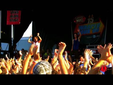 """3OH!3 - """"I'm Not Your Boyfriend Baby"""" Live in HD! at Warped Tour '09"""