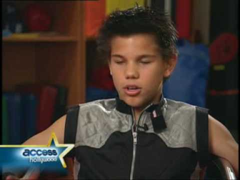 Taylor Lautner Interview (sharkboy and lavagirl) - YouTube