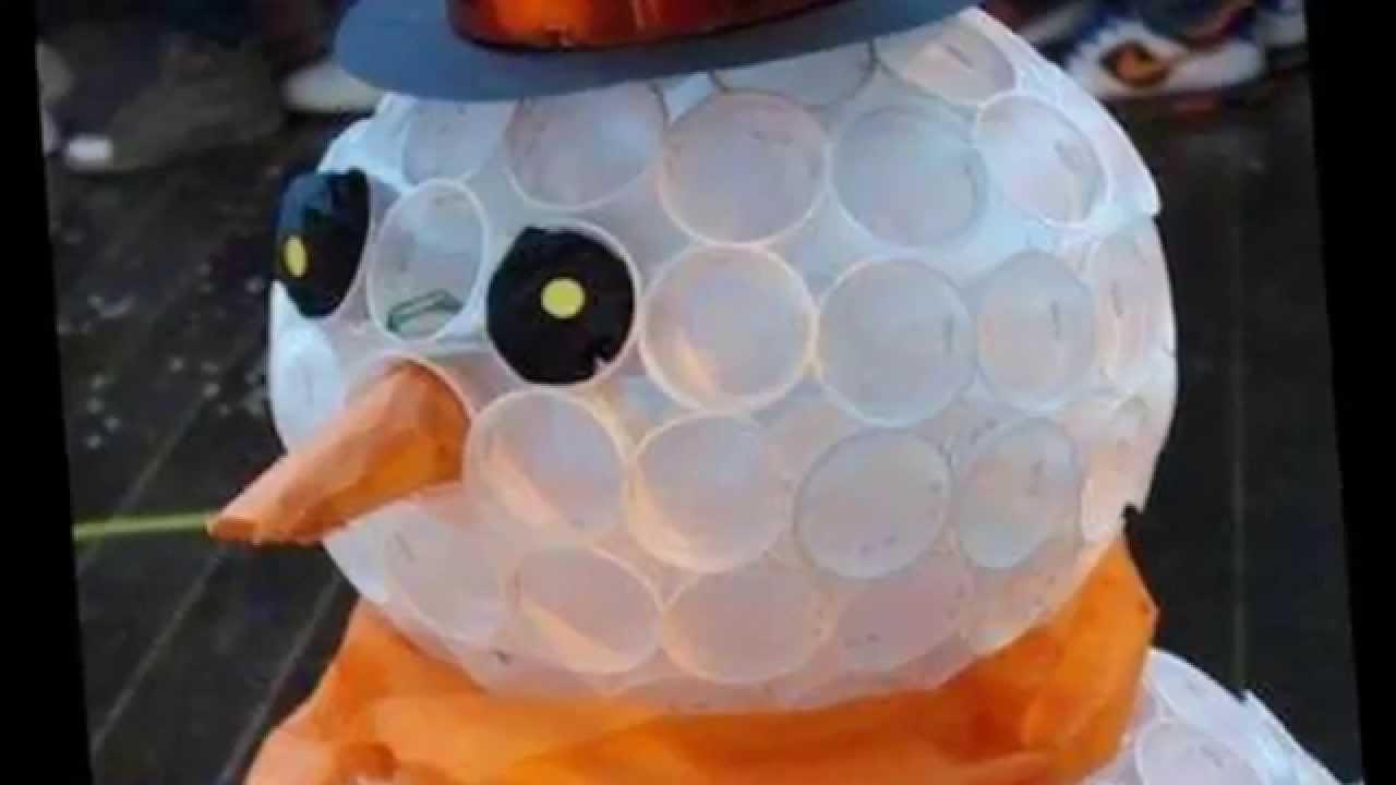 Снеговик из пластиковых стаканчиков маленьких своими руками пошагово фото 509
