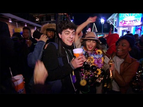 Ari Goes to Mardi Gras