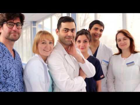 Профессия: акушер-гинеколог