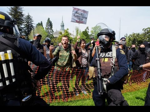 FREE SPEECH RALLY-UC BERKELEY-ANTIFA VS PATRIOTS : LIVE BATTLE FOR BERKELEY PART 4