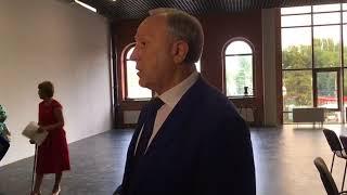 """Губернатор о казармах Деконского: """"Их снести нельзя, а надо заставить работать"""""""