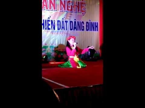 Be gai hoc lop 5 Den tu Bac Linh Dem van Nghe chao mung LE Hien Dat Dang Dinh Lang van hoa Hoang pha