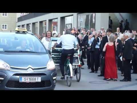 Der Bürgermeister von.Salzburg  ins Festspielhaus ザルツブルグの市長さんが祝祭劇場に。。。