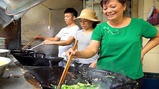 UNREAL Vietnamese Street Food Tour - BEST Hanoi Food Guide! 3 MUST-TRY Street Foods in Vietnam 2018