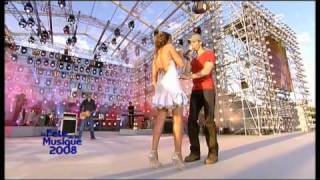 Enrique Iglesias et Nadiya - Tired of Being Sorry. Féte de ...