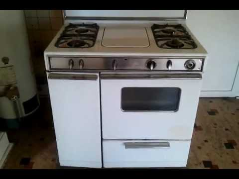 Vintage Stove/Heater combo found in old Syracuse apartment. - YouTube