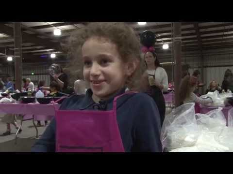 Challah Baking: 4500 women come together to make Challah