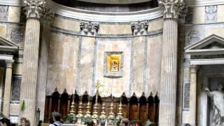 Пантеон - «храм всех богов» в Риме(Пантеон - это древний храм, посвященный всем богам. Построенный во II веке н. э. Латинская надпись на фронтон..., 2011-08-02T20:01:51.000Z)