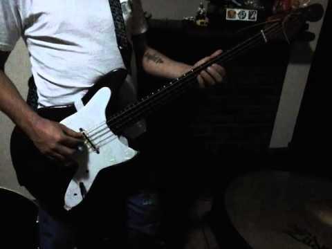 baixo vintage instrumento 4k -#main