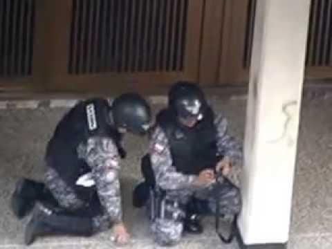 Funcionarios del SEBIN disparan BALAS contra Estudiantes en Caracas  12 02 2014