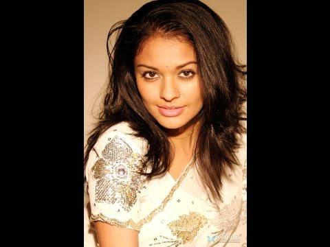 Actress Pooja's sexy talk thumbnail