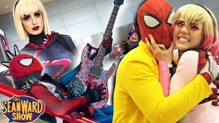 SPIDER-MAN: Spider-Verse Explosion at Comic Con! Fan Expo, Spider-Gwen, Gwen-Pool