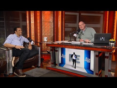 Former NFL TE Tony Gonzalez Talks NFL Playoffs, Acting & More in Studio  11217