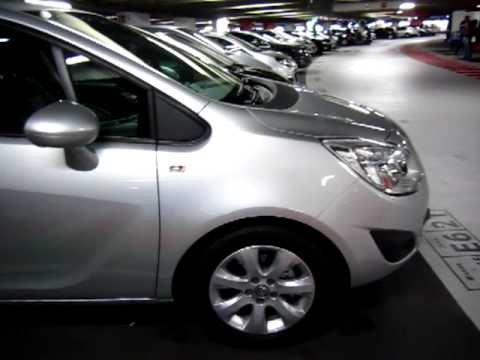 Tourist France - Paris CDG car rent a car