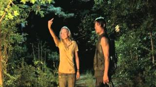 The Walking Dead - Beth and Daryl light up the house