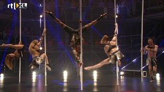 Indrukwekkende openingsact - CELEBRITY POLE DANCING