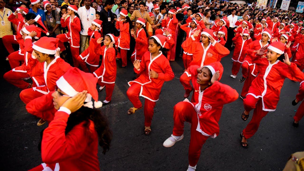 Buon Natale Thrissur.Born Nathale Buon Natale Flash Mob 27 12 2016 Thrissur Kerala India