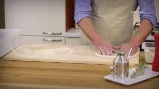 Итальянский хлеб фокачча в дровяной печи видео-рецепт