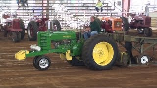 Antique Tractor Pull 2012 At The White County Fair!