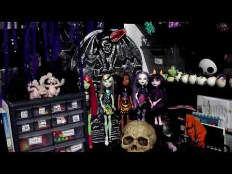 desk-tour-&-organization----2016-goth-edition
