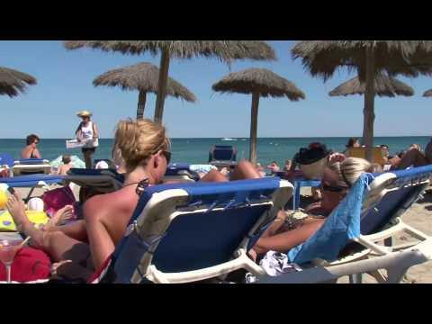 Découvrir la ville de Cerbère dans les Pyrénées Orientales - Languedoc Roussillonde YouTube · Durée:  4 minutes 13 secondes