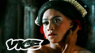 Download Pergulatan Sinema Queer Indonesia: Madame X Memories Mp3