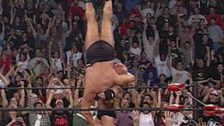 vuclip Goldberg defeats Big Show