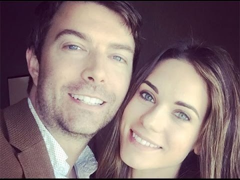 Lyndsy Fonseca & Noah Bean Married: 'Nikita' Stars Wed In Rustic Ceremony