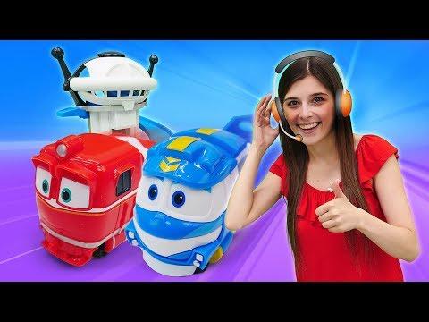 Новые игрушки Gulliver.  Роботы поезда строят башню! Видео игры для детей.