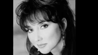 Watch Pam Tillis Ancient History video