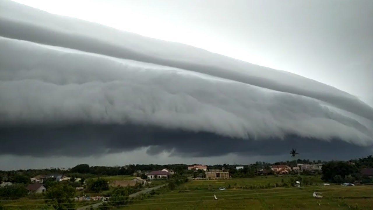 fenomena awan gelombang di Meulaboh Aceh senin 10 Agustus 2020