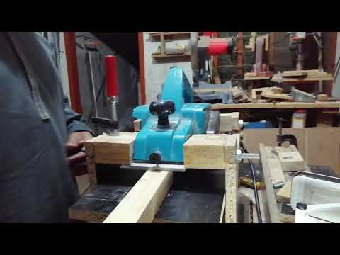 Convertion of an electric hand planer to thickness planer