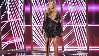 Blake Lively Hilariously Calls Out Ryan Reynolds at People's Choice Awards: 'You Can't Have Him!'
