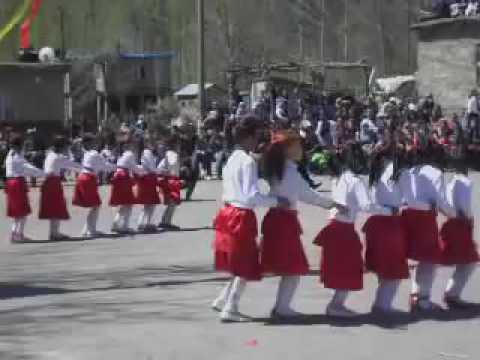 23 Nisan Penguen Dansı Gösterisi