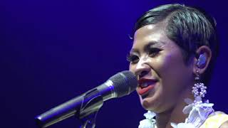 Download Video Dira Sugandi - All By Myself (David Foster And Friends 2018 De Tjolomadoe) Official Video MP3 3GP MP4