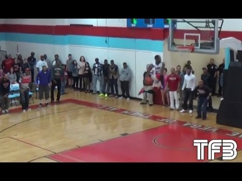 """6'0"""" Snap Peters does it AGAIN - Eastbay Dunk in 2nd straight game!"""