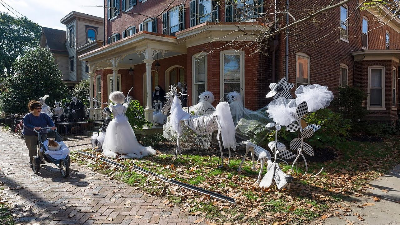 halloween decoration ideas crazy awesome halloween decoration - Halloween Decorations House