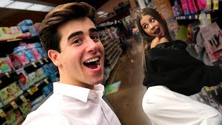 FUNNY DARES IN A STORE WITH MY GIRLFRIEND!