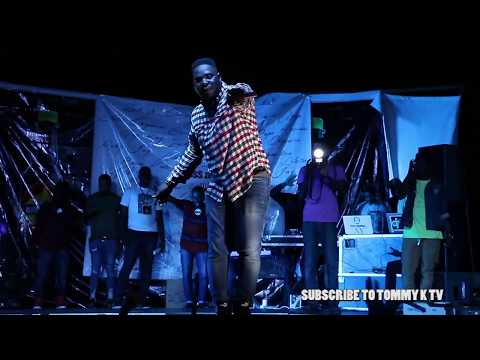 stay j is back again  preforming his new track in kumasi