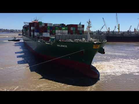 Cargo ship U-Turn