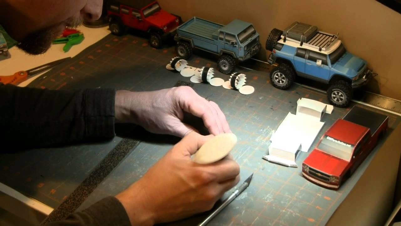 Papercraft Building the 2014 Chevy Silverado paper model