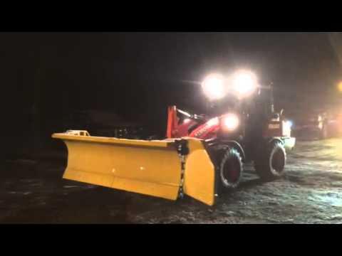 Kubota Snow Plow >> Kubota R630 with HLA 9/15 Snow Wing Plow - YouTube
