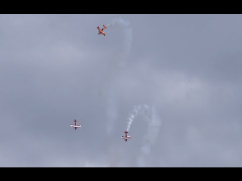 Air show wows spectators in north China