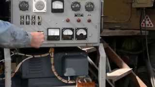 Запуск дизель-генератора 30 кВт, двигатель СМД11.(Дизельный генератор, мощностью 30 квт. Запуск для проверки под нагрузкой, проводился без глушителя. При пода..., 2014-10-02T11:20:16.000Z)