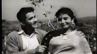 Gaa rahi hai zindagi - Aanchal