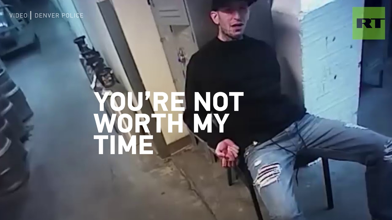 Download Handcuffed suspect spits on Denver cop & gets knocked out