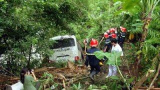 Bắc Kạn: Xe khách lao xuống vực, 8 người trọng thương